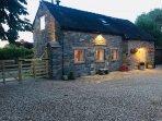 Beautiful Harewood cottage