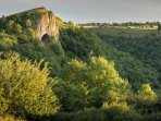 Walk to Thors cave from Harewood Cottage