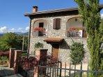 Giammengo - Beautiful quality village cottage , pool, walk to restaurant, WIFI,