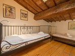 4° room, small, for 2 young guests