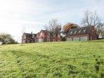 BRICK KILN APARTMENT, open plan, countryside, quiet location, in Newborough, Ref