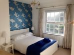 Double room (sea view to right).