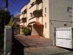 'Les Ixoras B' - Self-catering apartments near the sea