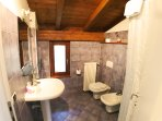 apt 705 - second Bath room