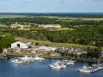 Bohicket Marina with restaurants, shops, spas, boat and bike rentals.Relaxation!