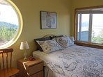 2nd Master Queen with amazing view and a really cool round porthole window!