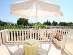 R4(2): terrace