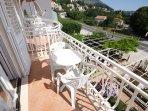 A6(4): balcony