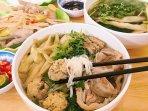Free breakfast with Hanoi specialties