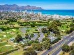 Strand visione d'insieme per includere Strand Golf Course