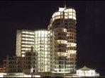 Hibernian Towers notte