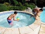 Childrens pool.