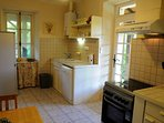Fully equipped kitchen,