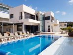 Villa with pool and sundeck