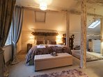 A romantic and magical getaway near Windsor Castle and beside Windsor Great Park