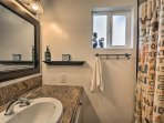 The 2 bathrooms provide plenty of space to freshen up.