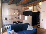 Canapé lit ultra confortable avec un matelas de 18 cm et lit en mezzanine (ou l'on tient assis)