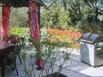 terrasse pergola privative et son barbecue