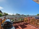 Private deck w\/ BBQ and table