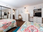 Guest bedroom- TWO FULL/DOUBLE BEDS!