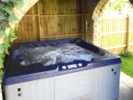 4 seater hot tub for the ultimate relaxation