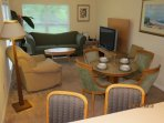 Open Living and dining room with flat screen, wifi and free long distance in north amercia