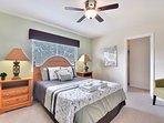 2nd floor pillow-top queen sized bed, 40' LED TV, Blu-ray player & ceiling fan