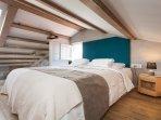 Casa Amando - penthouse - open gallery- kingsize bed (180x200)
