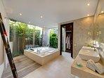 The Layar 2BR - Master bathroom