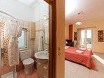 1st floor room - Toilet