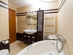 2nd floor room - Toilet