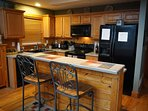 Fully equipped Kitchen with breakfast bar !