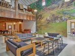 This is a great space to host gatherings and celebrations!