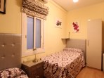 Double bedroom - Single beds (the one on the right is 2 meters long) and air-conditioned
