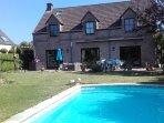 1 Chambres d'hotes dans jolie villa jardin avec piscine chez l'habitant.