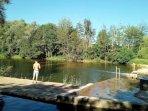 Mailly le Château le bas à 4 km de la maison : propice à la flânerie, la pêche, la baignade