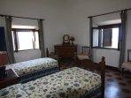 La seconda camera: matrimoniale a due letti e bagno in camera