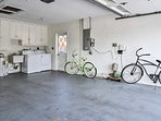 Enjoy a leisurely bike ride to the beach with the 2 provided bicycles.