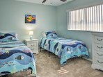 Children or siblings will doze off easily in the 2 twin beds.