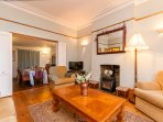 Ground floor double reception room with dining table (extends to seat 10)
