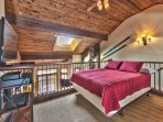 Loft with a Queen Bed, Flat Screen TV and Blu Ray DVD/Stereo Combo