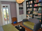 Sweet home in Athens near Metro station. Fully equiped.