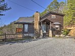 The home is located just minutes from the activities of Pigeon Forge and Gatlinburg!
