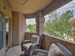 Escape to Scottsdale at this lovely 2-bedroom, 2-bathroom vacation rental condo.