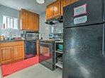 Complete with state-of-the-art appliances and great natural light, this kitchen makes cooking fun and easy.