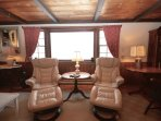 Living room ergonomic seating