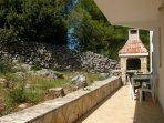 H Pierida (8+4): courtyard (house and surroundings)