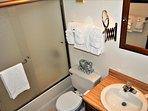 Bathroom 1 - 1.JPG