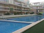 Piscina de adultos y piscina para niños