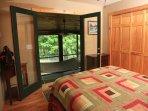 Sunset Ledge_Queen Bedroom_Enchanted Mountain Retreats
